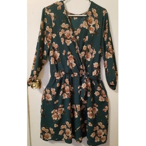 Scobe Dresses & Skirts - Beautiful Plus Size Floral Dress